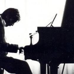 Rob piano